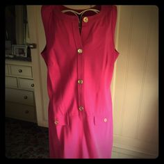 My Ladies Who Lunch dress! Have a bridal shower, afternoon tea or garden party to attend? Heading to a country club any time soon? This is the dress for you! Gorgeous rich pink thick cotton dress with brushed gold button detail. This material gives it just enough stretch to hug your curves and make this traditional dress look ultra sexy! Only worn a few times, I apparently don't hit the country club enough :) Talbots Dresses