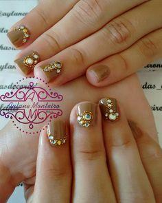 Lindíssimas.  Unhas top da formanda Laiane  Desejo muito sucesso na sua carreira e muitas conquistas lindona.  #Nails #Unhas #UnhasDecoradas #Unhas2inspire #CuteNails #NailsTutorial #NailsDid #NailsShop #Nails4Ummies #NailsTamping #Nailswag #NalitDaily #Nailsofinstagram #NailsDesing #Nailsmagazine #Nailsmakeus #NailartJunkie #NailartDesing #NailsPolish #NailsTagram #NailTutorial #UnhasTutorial #Unhas2inspire #Nailart #Nalarts #instafollow #dicasdeunhasbr #pedrarias #luxo #deesmalte by…