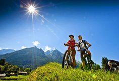 Mountainbike  Riding,  looks like fun.........