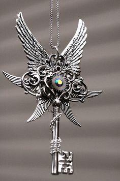 Epic Key of Winter Key Jewelry, Funky Jewelry, Wire Jewelry, Jewelery, Key Necklace, Crystal Necklace, Beautiful Necklaces, Beautiful Rings, Unique Key