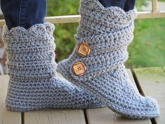 Woman's Slipper Boots Crochet Pattern,