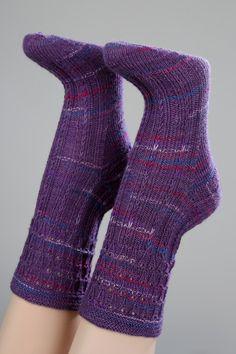 Handgestrickte Socken Gr. 38/39 mit Muster von Wollwerkstatt auf DaWanda.com