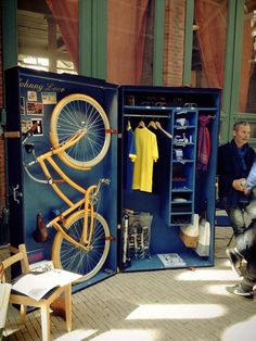 Cool bicyclist closet  Met dank aan KV