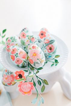 One last look at this year's painted eggs Painted on faux eggs using acrylic paints :) Hope you had a great day.xo via Egg Crafts, Easter Crafts, Crafts For Kids, Easter Egg Designs, Diy Ostern, Easter 2020, Easter Projects, Easter Celebration, Egg Art