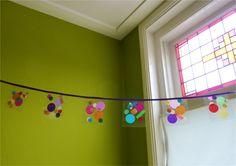 Maak je eigen confetti slinger!  Make you own confetti garland!  by Confetti Lab
