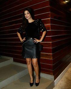 Sempre linda, Emanuelle Araújo apostou no pretinho nada básico na festa de encerramento das gravações de Malhação  ♥