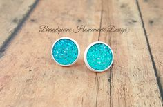 Blue and White 12 mm Druzy Earrings, Round Druzy Stud Earrings, Blue Druzy Earrings, White Settings Black Druzy by BrandywineHD on Etsy