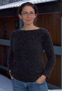 Comfy Raglan Sweater – Free Pattern   The Running Yarn