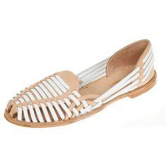 La Garconne Estelle Beige/Blanco #onyva #shoes #shoe design #fashion #trends #zurich #switzerland #schweiz #biel #bienne #bern #chur #onlineshop #summer #summershoes #sandals #flats #summerfashion #shoelove Chur, Bern, Flats, Sandals, Espadrilles, Spring Summer, Loafers, Trends, Shoes