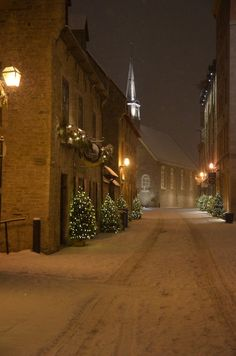 A snowy night in #Quebec