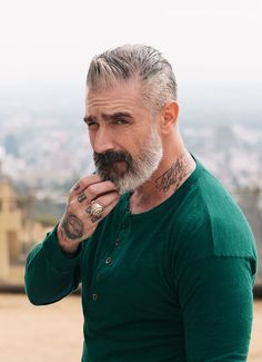 40 Winning Grey Hair Styles For Men - Buzz 2018 Haircuts For Balding Men, Older Mens Hairstyles, Men's Hairstyles, Beard Styles For Men, Hair And Beard Styles, Hair Styles, Widows Peak Hairstyles, Bald Men Style, Grey Hair Men