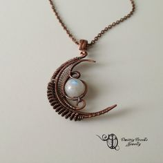 Wire wrapped Crescent moon necklace with natural Moonstone bead Moon Necklace Moonstone necklace Wire weave gemstone pendant. Moon Jewelry, Copper Jewelry, Copper Wire, Wire Jewelry, Jewelry Art, Jewellery, Moonstone Necklace, Wire Necklace, Moon Necklace
