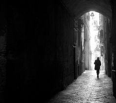 Ruelle sombre a Napoli