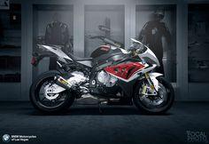 BMW S1000RR w/ Akrapovic Exhaust