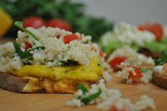 Orientalischer Süßkartoffel-Toast mit Couscous |  http://eatsmarter.de/rezepte/orientalischer-suesskartoffel-toast-mit-couscous