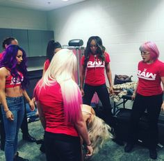 Raw Roster: Alexa Bliss Sasha Banks Nia Jax Bayley Alicia Fox & Asuka standing over New SD Woman Champion Charlotte