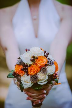 #weddingbouquet #brautstrauss #orange #braun #creme #weddingplanner #hochzeitsplaner #berlin Foto: Susi Krautwald, Berlin Weddingplanner: Sarah Linow, Berlin
