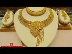 Latest Bridal Gold jewelry ideas / Antique Gold Choker and Long Chain in 2020 / Bridal Gold Jewelry - YouTube Indian Gold Necklace Designs, Gold Ring Designs, Gold Earrings Designs, Gold Jewellery Design, Gold Wedding Jewelry, Gold Jewelry, Gold Necklaces, Bridal Jewellery, Stone Jewelry