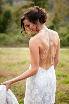 How to Look 15 Pounds Thinner For Your Wedding Without Losing a Pound