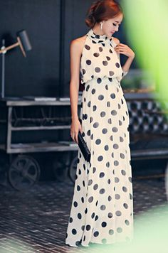 Polka Dot Chiffon Maxi Dress Love the style and fabric. Dot Dress, Dress Me Up, Polka Dot Maxi Dresses, Prom Dresses, Sheath Dresses, Long Dresses, Pretty Dresses, Beautiful Dresses, Vestido Dot