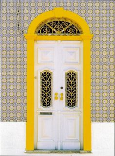 Brooklyn Real Estate Sales Presents unique front doors Door Entryway, Entrance Doors, Doorway, Front Doors, Grand Entrance, Cool Doors, Unique Doors, Door Knockers, Door Knobs