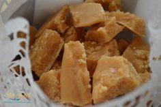 Omlós házi tejkaramella | Szépítők Magazin Hungarian Desserts, Hungarian Recipes, Snack Recipes, Cooking Recipes, Torte Cake, Salty Snacks, Gourmet Gifts, Cake Cookies, Fudge