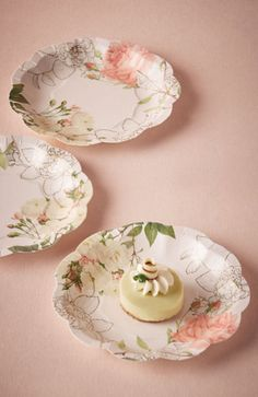 Pretty plates for showers and parties -- would be lovely for a bridal shower!