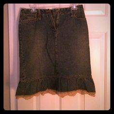 Mango Jeans Lace Trimmed Skirt Mango jeans brown lace trimmed skirt. Size is 6. Mango Skirts