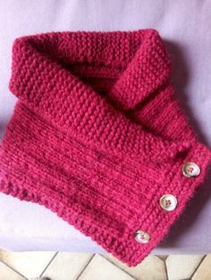 a buttoned shawl collar dani knitting and crocheting Knit Mittens, Knitted Gloves, Knitting Socks, Knitting Machine, Poncho Knitting Patterns, Knitting Accessories, Knit Or Crochet, Crochet Fashion, Crochet Clothes