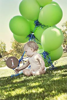 Cute first birthday photos to frame with the balloon photos we took when I was pregnant