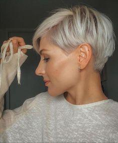 Short Haircut Styles, Short Hair Styles Easy, Short Pixie Haircuts, Short Hairstyles For Women, Curly Hair Styles, Blonde Pixie Haircut, Pixie Bob Hairstyles, Blonde Pixie Cuts, Pixie Styles