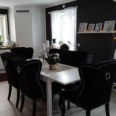 Se så lekkert det ble hos @tovenap  med stoler fra @classicliving . #Repost @tovenap  Så fornøyd med de nye spisestue stolene fra @ classic living.#intreør444 #hus #classic living #interior