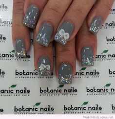 Botanic nails gray, glitter, bows