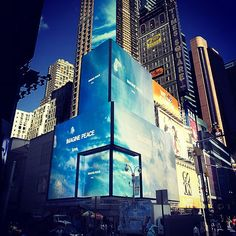Come down tonight and see the IMAGINE PEACE Billboards in Times Square for #PeaceDay http://imaginepeace.com/archives/18503 #imaginepeaceTSQ Thanks, @American_Eagle!