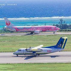 【atsushi_bluesea】さんのInstagramをピンしています。 《. 𖣯✜𖣯✜𖣯 . シーサー飛行機(DHC-8-100) 本日の飛行を終えると 先島諸島の空から姿を消します。 . ーーーーーーーーーーーーーーーーーー 沖縄フォトコンペ LOVES_OKINAWA 𓇼follow→ @loves_okinawa 𓇼tag→ #loves_okinawa ーーーーーーーーーーーーーーーーーー 𓇼石垣島 Secret beach & Photo .  by atsushi → DMしてね ーーーーーーーーーーーーーーーーーー #沖縄 #石垣島 #八重山 #離島 #ビーチ #旅行 #癒し #海 #一眼レフ #宮古島 #空港 #珊瑚礁 #loves_okinawa #japan #okinawa #ishigakiisland #八重山フォト祭り #写真好きな人と繋がりたい #genic_okinawa #genic_beach》