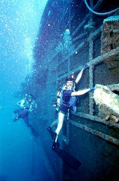 Cayman Salvage Master is a popular advanced Key West dive site