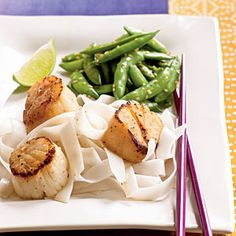 Caramelized Scallops ♥ Save this recipe for your next date night at home. Scallops cook quickly and are packed with delicious flavor. Serve with wide rice noodles and sugar snap peas