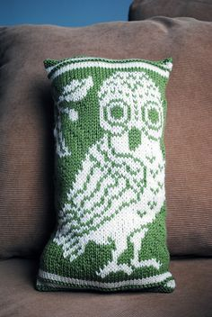 Athena's Pillow free knitting pattern with Greek owl motif | Owl Knitting Patterns | In the Loop Knitting