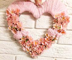 Floral Wreath, Wreaths, Handmade, Home Decor, Homemade Home Decor, Hand Made, Door Wreaths, Craft, Deco Mesh Wreaths