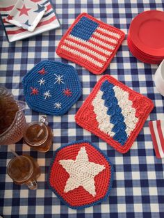 Crochet these Independence Day Table Mats in Kitchen Cotton for a 4th of July themed barbeque.