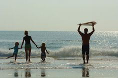 Surfing family... so fricken cute