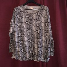 Sweet design sweater taking offers Black a day white grey muti color top long shelves  very pretty bottom 100 percent cotton. Fits nice runs big long top really pretty on taking offers temp closing Thursday last order sweet romeo Sweaters