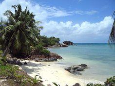 Seychelles - Praslin Anse bateau by Olivier Cochard-Labbé, via Flickr