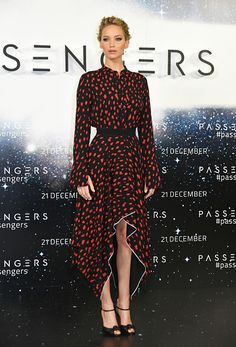 Jennifer Lawrence poses at a photocall for 'Passengers' at Claridge's Hotel on December 1 2016 in London England