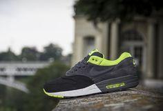 512033 002 1 21 Nike Air Max 1 | Black, Anthracite & Volt