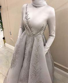Source by dress fancy Hijab Prom Dress, Hijab Gown, Hijab Evening Dress, Hijab Style Dress, Muslim Wedding Dresses, Muslimah Wedding Dress, Evening Dresses, Wedding Abaya, Kebaya Wedding