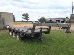 Gooseneck triaxle flat top trailer, 4.27m X 1.98m tray, length & width 6.15m X 2m, electric brakes & handbrake, 2 ramps, registered 7/14 (X73803) WRL Engineering, 7/7/12, ATM 3,500kg, Tare 980kg, VIN 6T9T20R05C0PFU002;