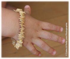Quand ma grand mère m'apprenait à faire des bracelets et des colliers, l'été, avec des pépins de melon.