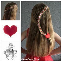 A new ribbon braid, I name it the 'Candy stick braid' with a heart shape hairclip from Goudhaartje.nl  #candystickbraid  #ribbon #ribbonbraid #lacebraid #braid #hair #hairstyle #longhair #beautifulhair #hairstylesforgirls #hairclip #hairaccessories #vlecht #lint #haarlint #haar #haarstijl #langhaar #mooihaar #haarclip #haaraccessoires #goudhaartje