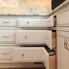 Drawers instead of lazy susan